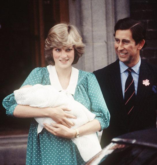 """A Royal Dynasty: The """"Moon Baby"""" Born"""